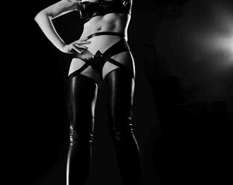 Aeon Flux Inspired Cosplay Comic Gaming Outfit in Latex Rubber