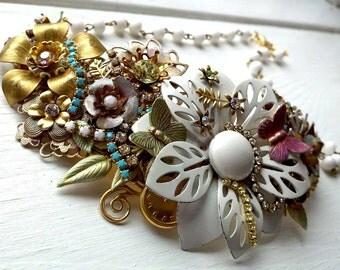 Custom Wedding Necklace,Bridal Bib Necklace,Flower Bridal Necklace,Swarovski Wedding Necklace,Bold Chunky Necklace,Statement Flower Jewelry