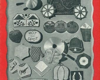POT HOLDERS Spool Cotton Company Book 196 Crochet Novelty Potholders Pads Vintage 1940s Thread Crochet