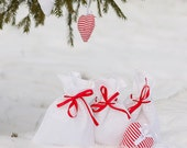 Wedding favor Gift bags - White Linen Gift Bags with red ribbon, Set of 3 - Linen gift bags - Linen favor bags