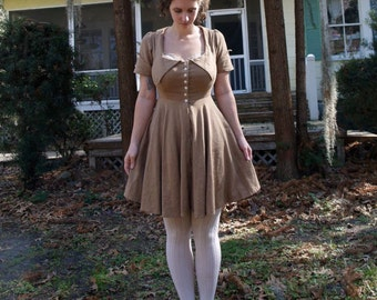 linen dress with large  pointed collar custom order to your measurements