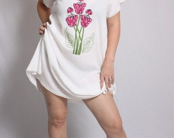 Vintage 1970s White Pink Flower Cheesecloth Dress
