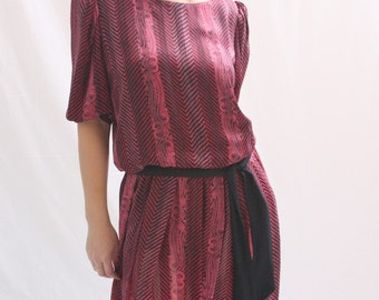 Vintage 1980s Pink Black Paisley Pleated Dress