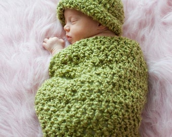 Pea in a Pod Cocoon and matching   Beanie Hat  Crochet Newborn Baby Photo Prop