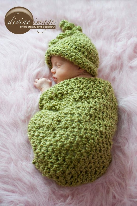 Cocoon Set, Newborn Photo Prop, Green Pea Cocoon and Hat, Baby Cocoon, Crochet Cocoon, Pea Pod, Newborn Sack, Swaddle, Cocoon and Hat