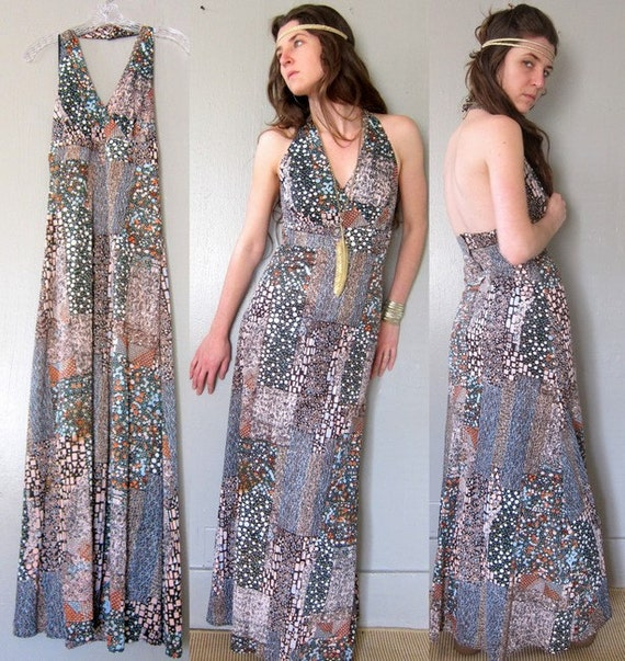 1970s Maxi Dress - Backless Halter Floor Length in Retro Print size Small