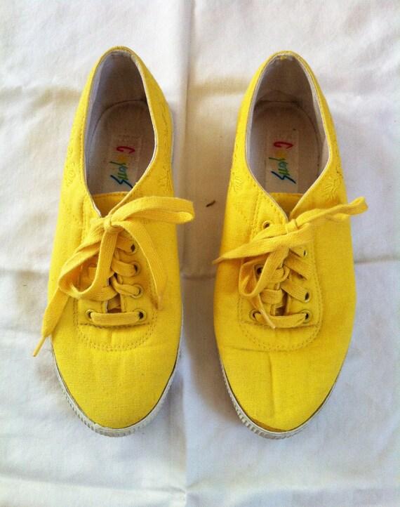 SALE Vintage 90s Sunshine Yellow Classic Tennis Shoes 6 / 6.5
