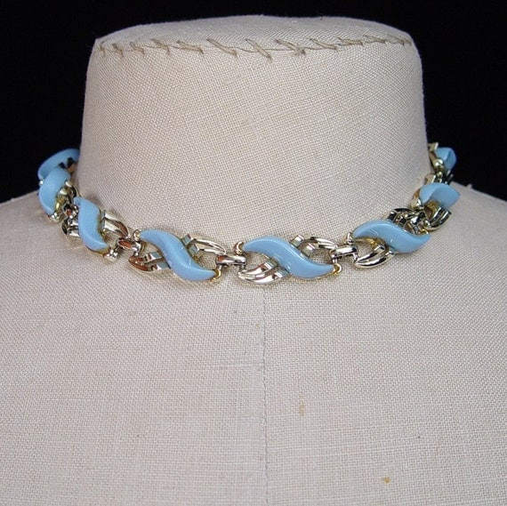 Vintage 1950s Womens Choker Necklace Baby Blue Lucite Goldtone Serpentine Mid Century Modern Jewelry