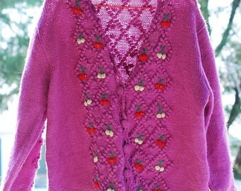 Reduced---WoozWass Vintage Japanese 1970s Orchid Hand Knit Wool Sweater with small red petals Sz M