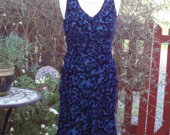 Laura Ashley cute and classy blue flocked velvet fit and flare dress - UK 10 US 6 VGC