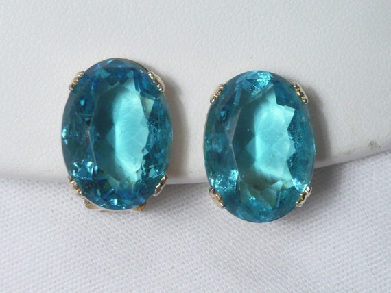 Vintage Large Blue Oval Rhinestone Clip Earrings