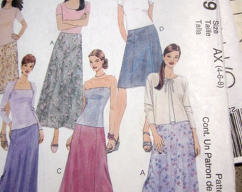McCalls 2689 Womens Skirt Sewing Pattern in Two lengths Hip 31 to 33