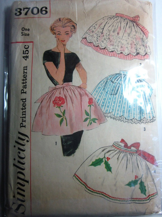 Simplicity 3706 Womens Apron and Transfer 1950s Pattern