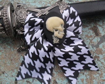 Skull Hair Bow,  Hair Bow, Gothic, Cosplay, Rave, Lolita, Scene , Fantasy Hair Play By: Tranquilityy