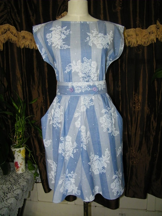 Vintage Blue Hot Line Ladies Circle Skirt Dress Size 7 plus 8