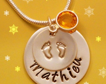Mommy Jewelry.  Personalized jewelry - Baby name necklace -   Mommy necklace.  Great gifts idea for Mom