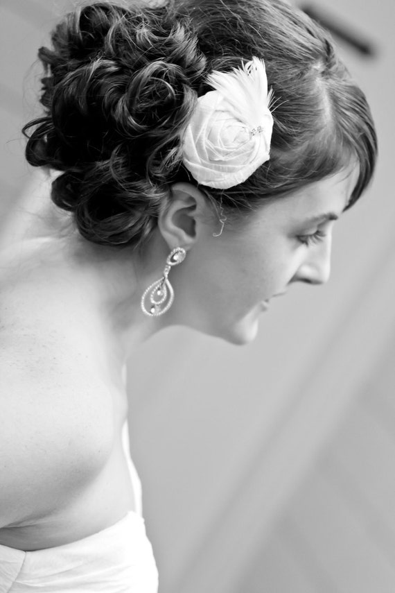 Ivory Bridal Hair Clip...Bridal Hair Piece...Bridal Head Piece...Rosette Hair Clip...Flower Hair Clip..Hair Clip..cream..ivory.. AMANDA