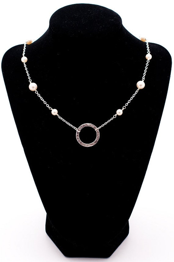 Silver Circle & Pearls Necklace