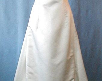 SALE This is a fabulous sheath styled wedding dress by Carmela Sutera