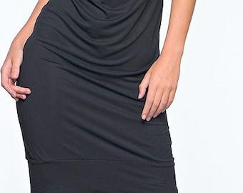 black elegant dress to the knee