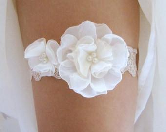 Bridal Garter French Jarretelle Wedding Garter Bridal Accessories : ELLE Pearls Light Cream Floral Embroidered Lace Garter