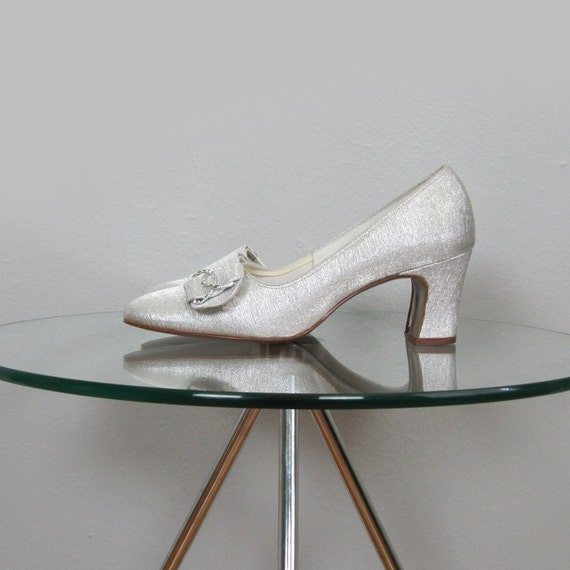 Vintage 1960s Metallic High Heels with Bows and Rhinetsones (Size 4.5/5)