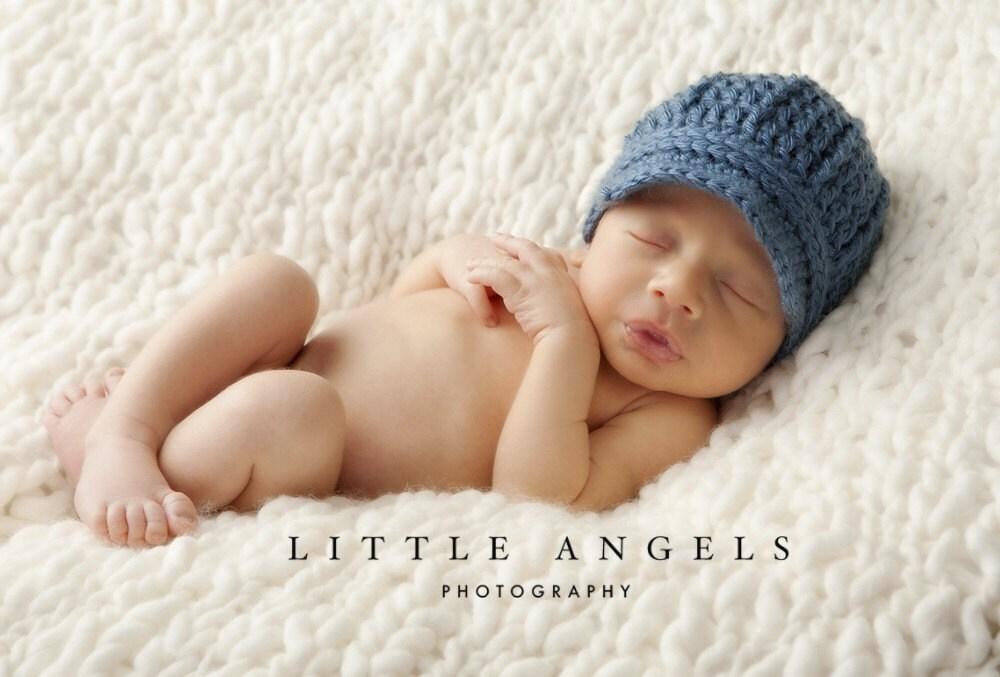 Easy Crochet Baby Boy Hat Patterns : Baby Boy Blue Newsboy Hat Crochet Pattern 438