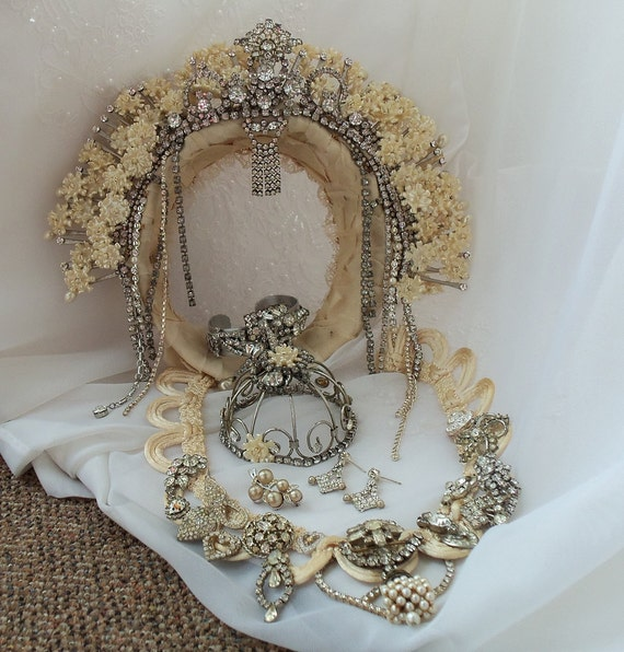 Bridal Accessory Ensemble, MADE TO ORDER crown n Jewelry, Custom Made Wedding Demi Parure, Victorian Noir Accessories