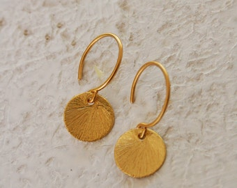 Small Round Gold Disc earrings, Tiny gold circle earrings, everyday earrings, small earrings, gold earrings