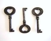 25 Heart Key Wedding Favors / heart skeleton key small keys rustic wedding decor