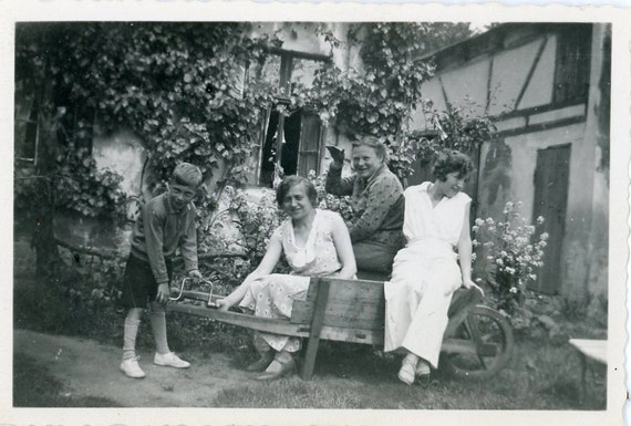 "Vintage Photo ""Garden Family Fun"", Photography, Paper Ephemera, Antique, Snapshot, Old Photo, Collectibles - 0021"