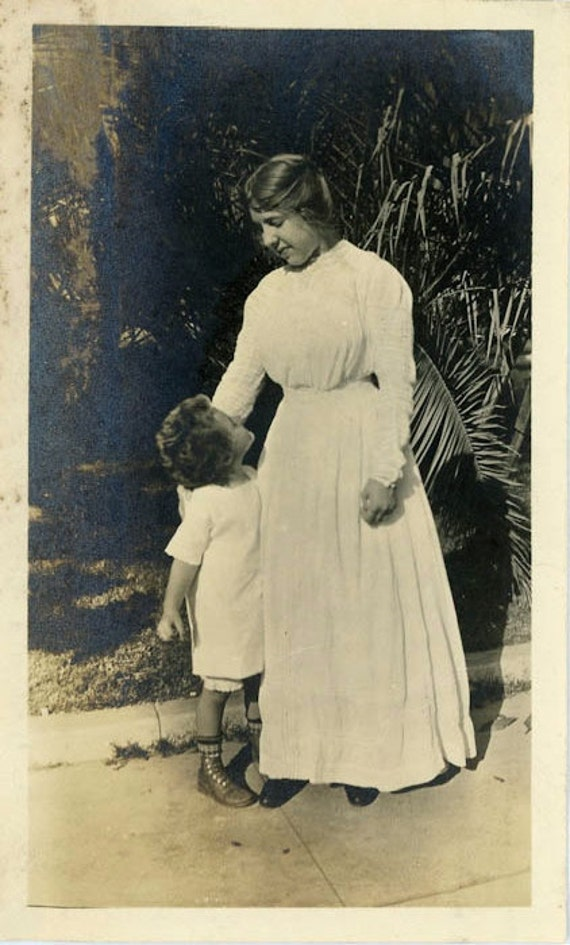"Vintage Photo ""Mother And Child"", Photography, Paper Ephemera, Antique, Snapshot, Old Photo, Collectibles - 0071"