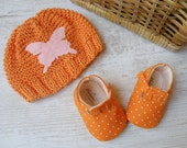 Baby shoes and hat gift set, orange and white polka dots set for babies 0-3 months