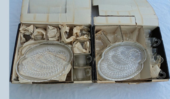 RARE  3 PLUS sets of snack master glass luncheon plates mid century style wheat design party ware