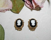 Reduced: Rare Jonne Vintage Cameo Clip On Earrings With White Figure
