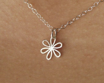 Daisy Flower Necklace in Sterling Silver, flower girl wedding gift, bridesmaid gift, flower necklace, floral,