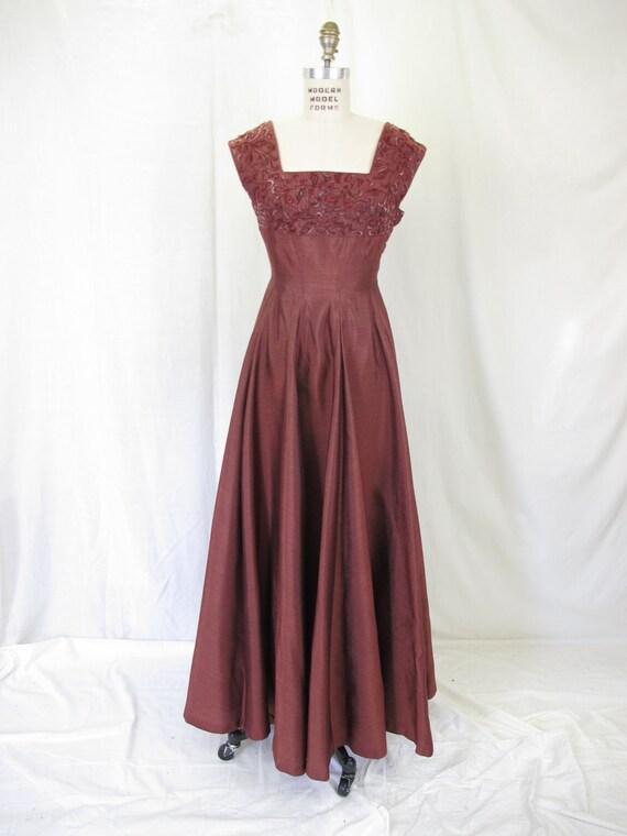 1940s Burgundy Beaded Sleeveless Evening Gown Cocktail Dress
