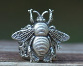 BEE mine RING. Adjustable size. Gentle Honey Bee botanical Flower Life symbol Silver. Nature lover. Spring. Free gift box