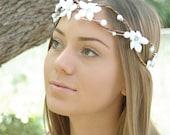 Flower Hair Wreath. Woodland bohemian Rustic Wedding hair adornment White flower crown Bridal Halo Flower girl circlet boho chic bride tiara