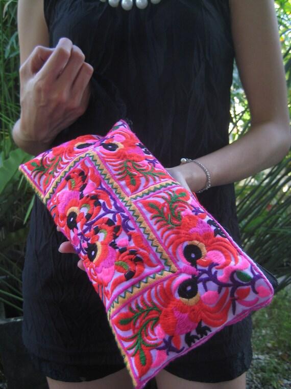 Hmong Wristlet Vintage Style Ethnic Thai Hippie Boho Hobo Small Clutch Bag Purse