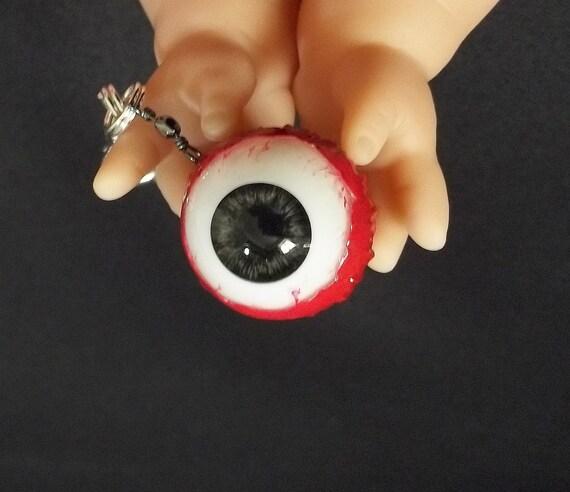 Real looking eyeball keychain bag purse charm macabre keychain oddity keychain eyeball charm horror keychain Halloween keychain unusual