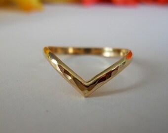 Chevron V Ring Hammered 14k Gold Filled