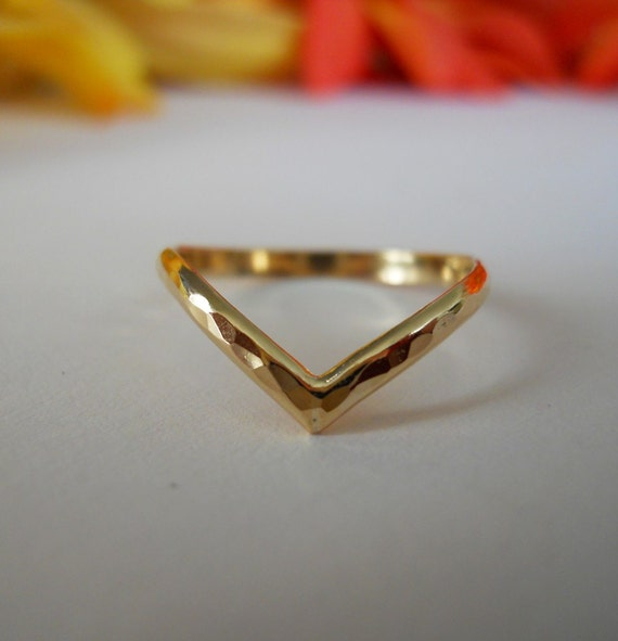 Chevron V Ring Hammered 14k Gold Filled