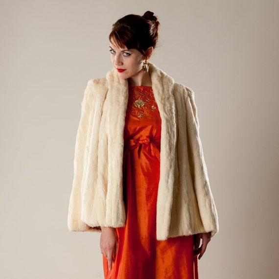 Vintage 1930s Ermine Fur Capelet - Wedding Wrap Stole - Bridal Off White Winter Fashions