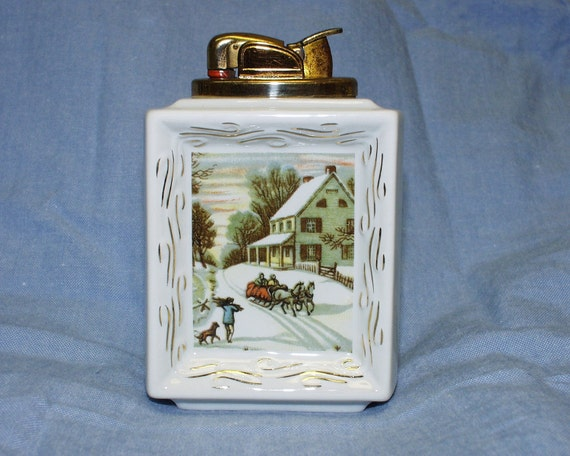 VINTAGE 1950s Evans Table Lighter Christmas Winter Scene Fine China RETRO Great Condition White Ceramic Tabletop Table Top Ashtray Guy Gift