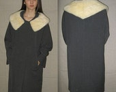 Snowflake stroll .. vintage 50s 60s gray wool coat / round white mink collar / winter mad men rockabilly / womens .  M L / 10 12 / bust 42