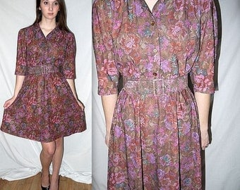 Hey Nineteen .... vintage 70s day dress / 1970s shirtwaist / tapestry floral / full skirt belted / boho secretary ... XS  S