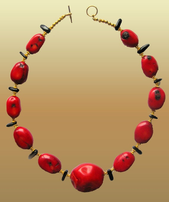 Large Red   Coral Stones and  Black Natural  Baroque Shape Agate Necklace