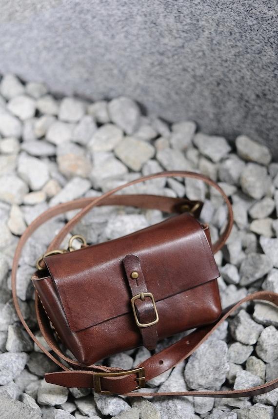 Artemis Leatherware Hand Stitched Leather Digital Camera Case/Bag