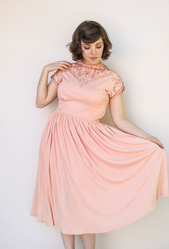 Vintage 1950s Dress - Summer in Provence - Pink 40s 50s Embroidered Jersey Dress